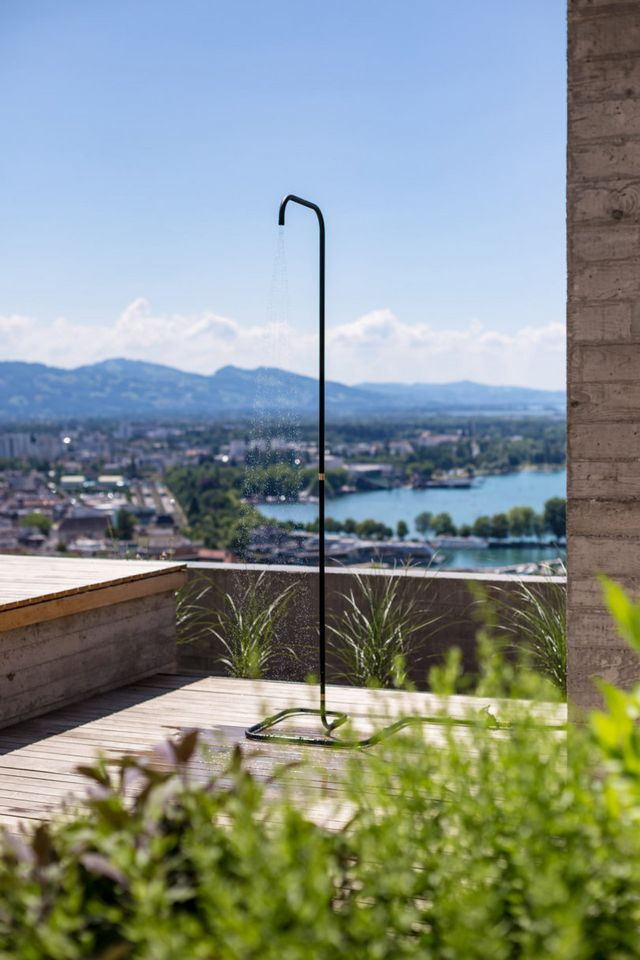AQT_Outdoor_Shower
